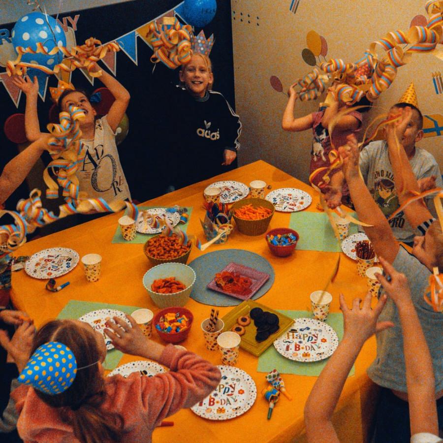 /thumbs/fit-900x900/2019-03::1552561412-urodzinki-dla-dzieci-w-hopsa-zmniejszone-8.jpg