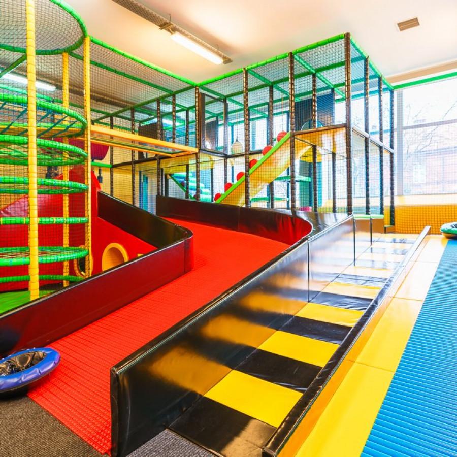 /thumbs/fit-900x900/2019-03::1553794210-centrum-zabaw-i-trampolin-hopsa-2.jpg