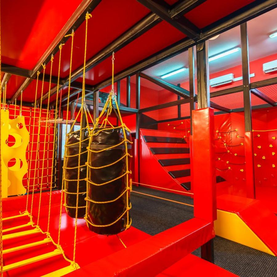 /thumbs/fit-900x900/2019-03::1553794212-centrum-zabaw-i-trampolin-hopsa-8.jpg